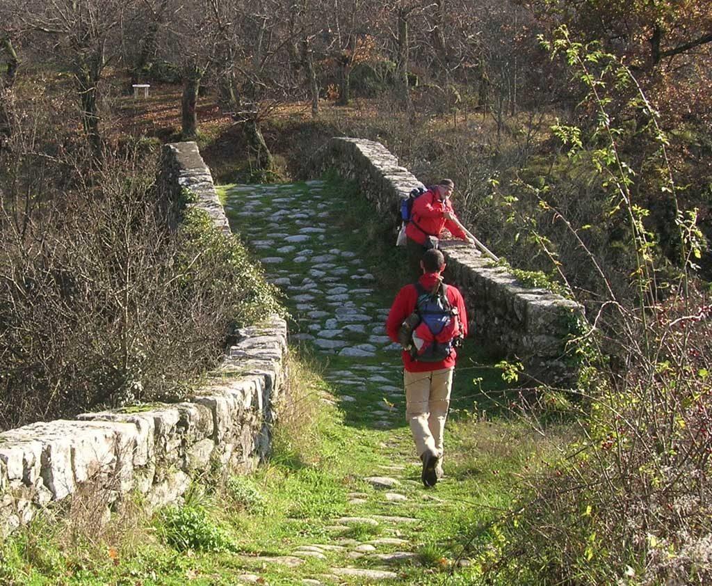 Vacanze in Lunigiana: sul ponte medievale di Groppodalosio